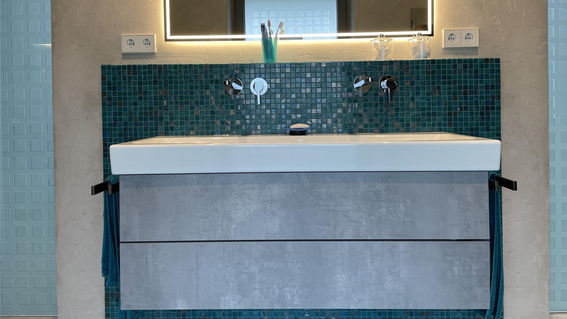 Waschtisch in Betonoptik im Bad in Dorsten